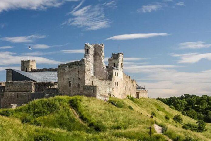 Neregėta Estija: Sangaste, Kohtla Jarve, Rakvere, Kuremae, Tartu