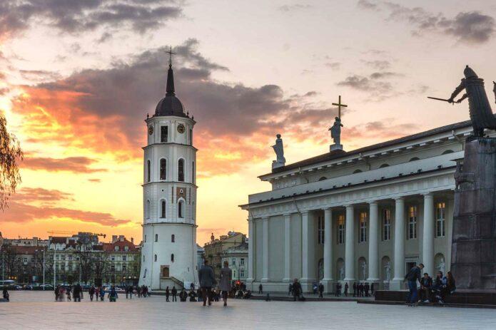 Paslaptingieji Vilniaus požemiai ir magiškas Žaislų muziejus!