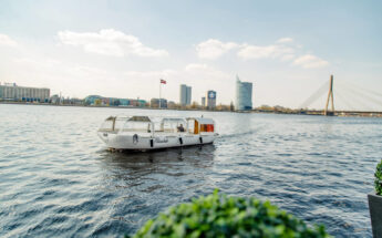 Užburiantis vargonų koncertas Jūrmaloje ir plaukimas laivu!